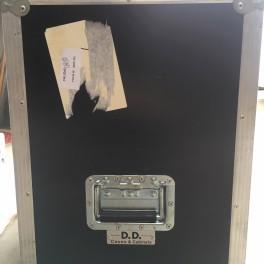 D.D. Cases flight case para pantalla